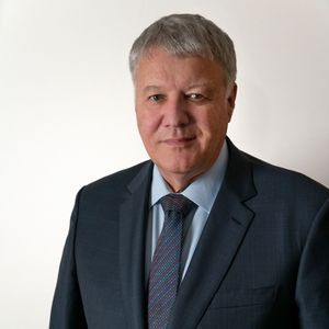 Dr David Molloy